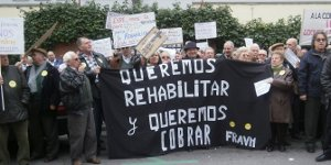 150 personas reclaman a la Consejería de Vivienda el pago de los adeudos de las ayudas de rehabilitación