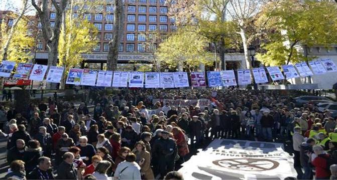 15F: la Marea Blanca advierte del peligro de la privatización de la salud mental