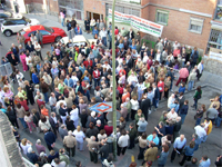 250 vecinos protestan contra el desmantelamiento del hospital Virgen de la Torre