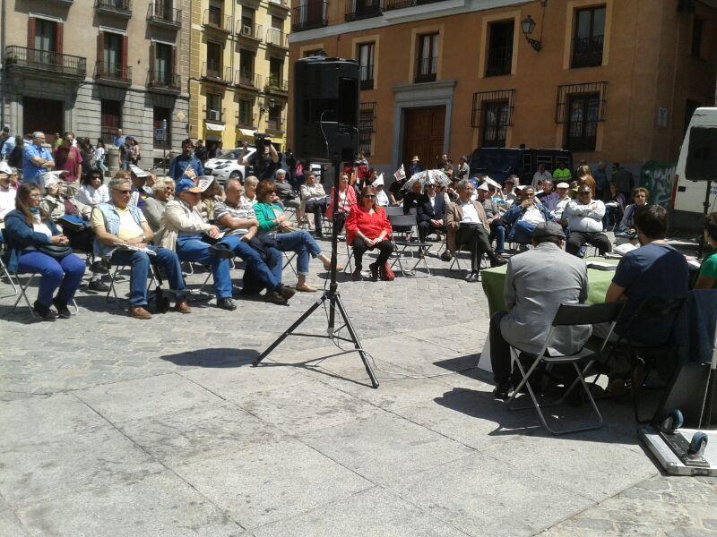 31M: pleno ciudadano en la plaza de la Villa