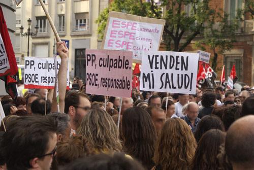 400.000 firmas contra el decreto que permite la privatización de la sanidad