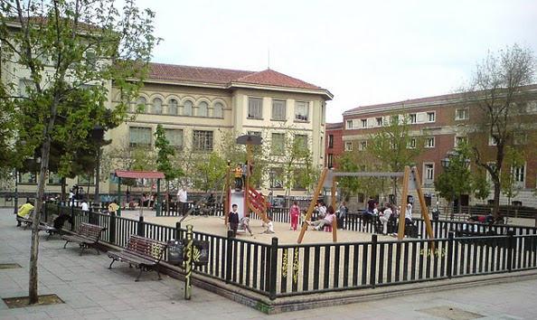 ACIBU reactiva su lucha contra la proliferación de bares y por la recuperación de los jardines del Arquitecto Ribera