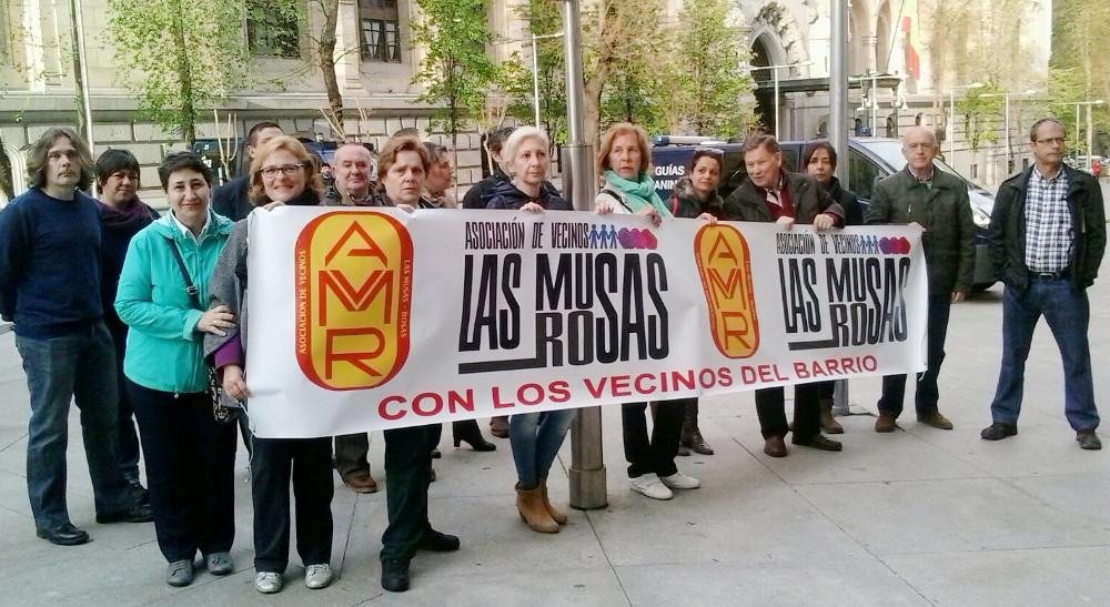 Ahora Madrid rectifica y retira del pleno la votación sobre la construcción de un supermercado que el vecindario rechaza
