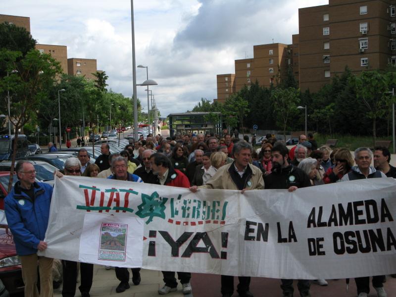 """Alameda de Osuna se manifiesta por una """"auténtica Vía Verde"""""""