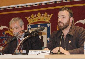 Ángel Pérez asume en su programa un centenar de medidas propuestas por la FRAVM