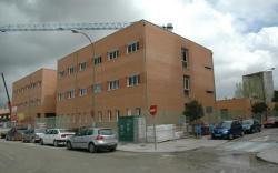Arganzuela, contra la instalación de una antena de telefonía móvil junto a un colegio