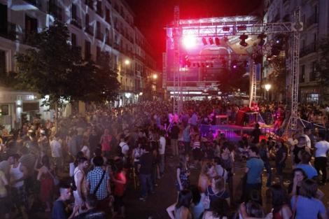 Asociaciones vecinales y ecologistas piden conciliar los derechos de los residentes con la fiesta Madrid Orgullo