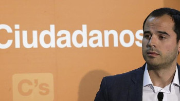 """Ciudadanos, """"cómplice de la corrupción"""" por proponer la derogación de la ley que paralizó la operación Calderón"""
