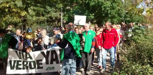Concurrida manifestación para exigir la finalización de la Vía Verde de la Gasolina