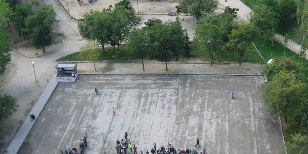 Contundente rechazo en Hortaleza a la gasolinera de Repsol