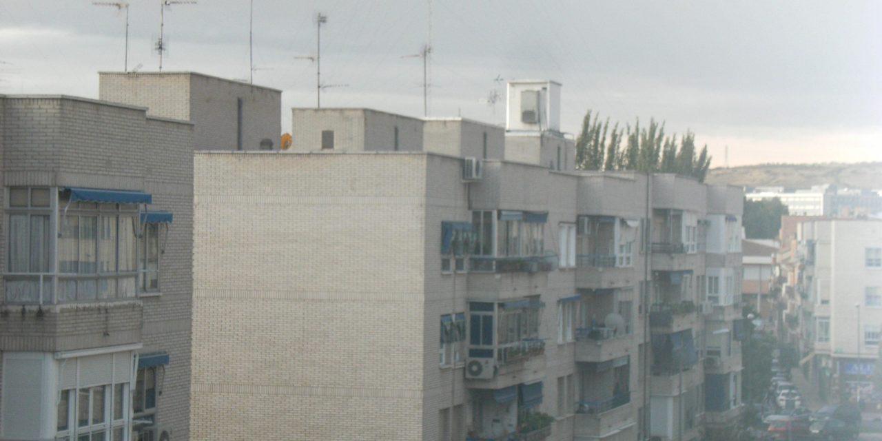 Desmantelada la antena de telefonía de la calle Badajoz de San Fernando de Henares