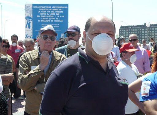 """El PAU de Vallecas lanza un """"bombardeo vegetal"""" contra los malos olores de Valdemingómez"""
