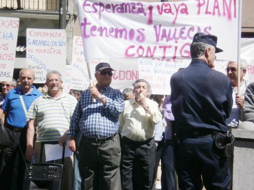 El juzgado admite la querella por prevaricación contra el ex consejero de Vivienda presentada por la AV Los Pinos de San Agustín