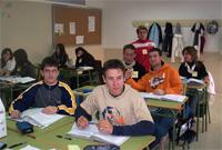 Encierro en el colegio Severo Ochoa de Vicálvaro contra la supresión del transporte y las ayudas de comedor