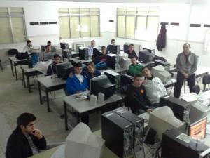 Entidades ciudadanas reclaman a Educación la sustitución del WiFi por el cableado en el plan Escuela 2.0