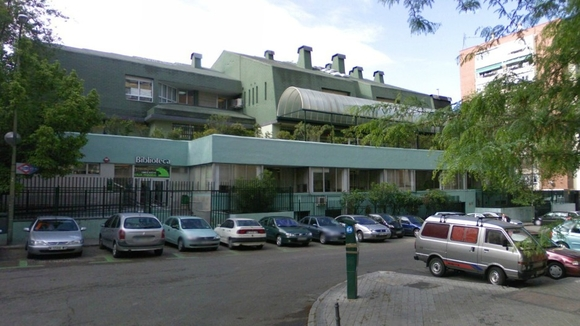 """Fuencarral exige la apertura de una biblioteca en un local """"black"""""""