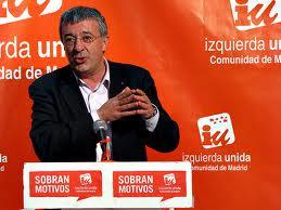 Gregorio Gordo firma un compromiso electoral con la FRAVM