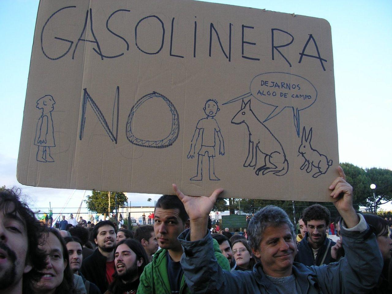 Integración SI, gasolineras en Hortaleza NO