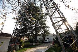 La AV Osa Mayor pide el urgente soterramiento de los cables de alta tensión en su barrio