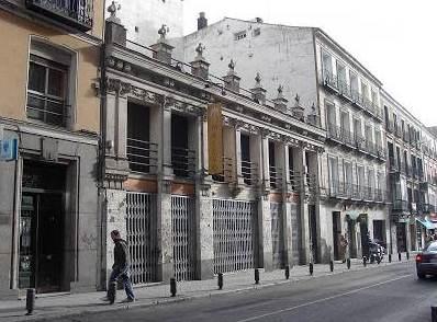 La AV de Chueca reclama a Carmena la conservación del edificio que albergaba el Pub San Bárbara