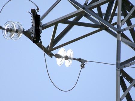 La Confederación de Asociaciones Vecinales denuncia la falta de transparencia en las políticas públicas sobre el sector energético