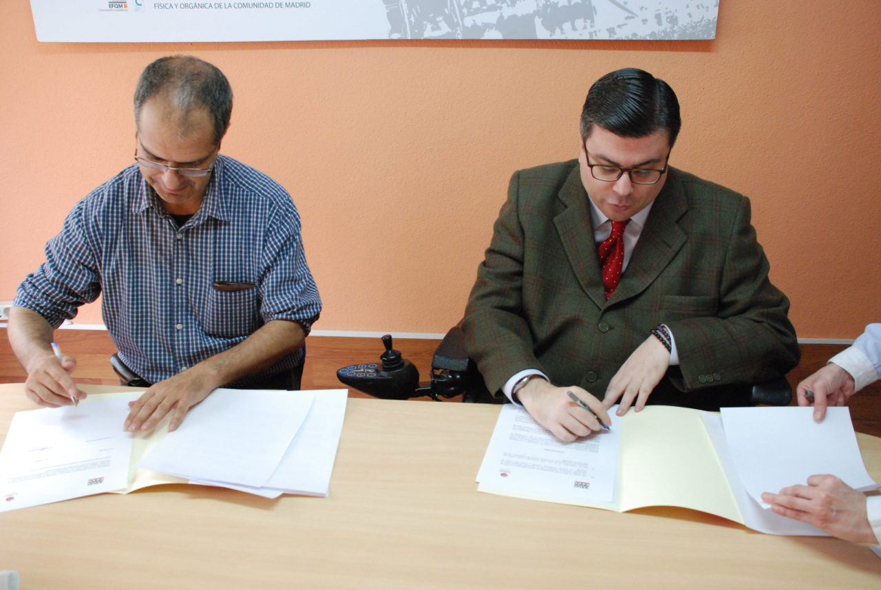 La FRAVM firma un acuerdo de colaboración para fomentar la accesibilidad y la supresión de barreras