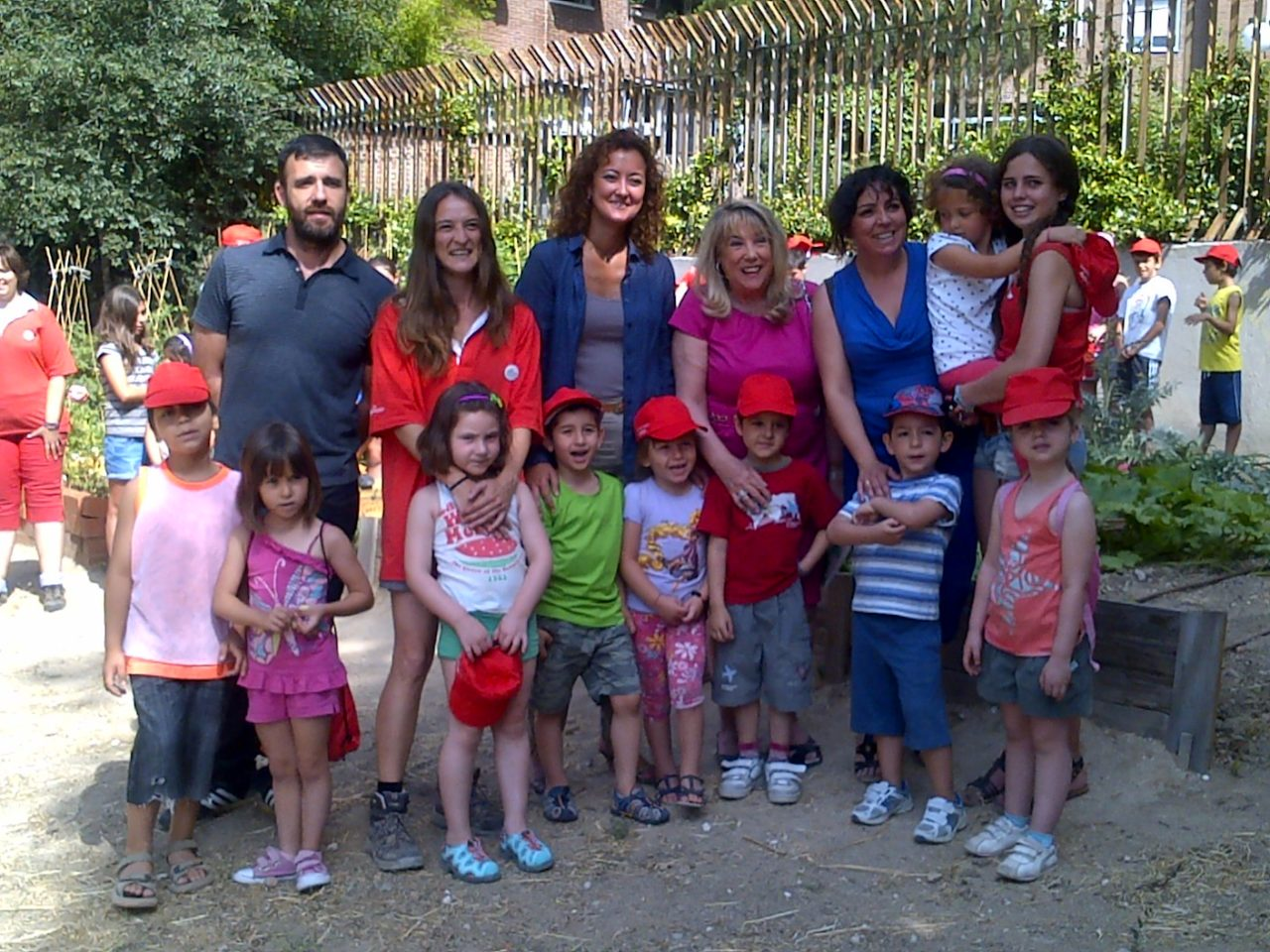 La FRAVM y el Ayuntamiento de Madrid firman el convenio de planes de barrio de 2013