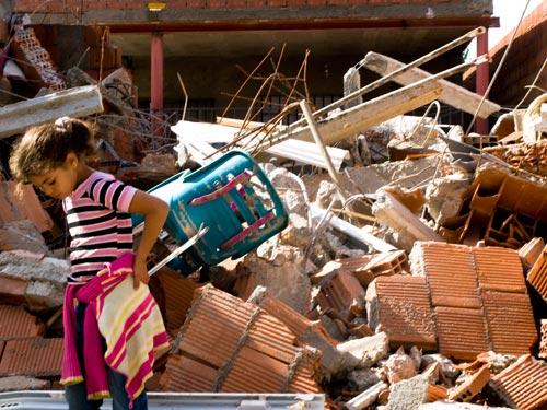 La Federación vecinal pide la paralización de los desalojos de viviendas en la Cañada Real