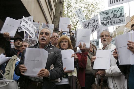 La Plataforma contra la Impunidad del Franquismo pide la retirada del Diccionario Biográfico Español de la Real Academia de la Historia