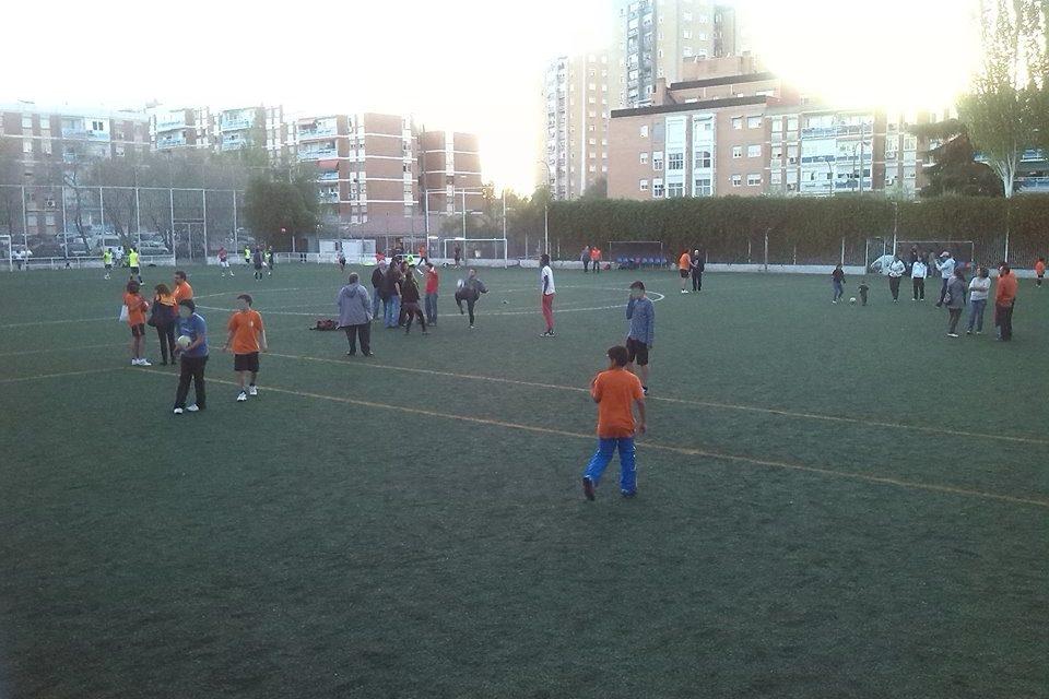 La empresa Palestra Atenea impide que 80 niños de La Elipa jueguen al fútbol en su barrio