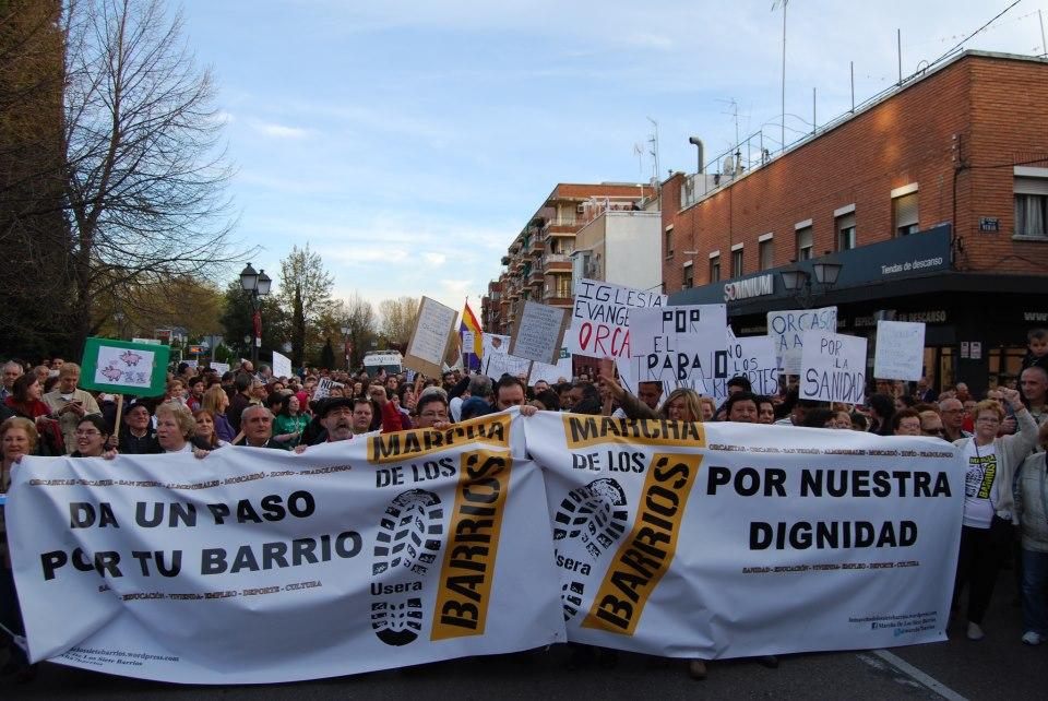 La marcha de los siete barrios desborda las calles de Usera