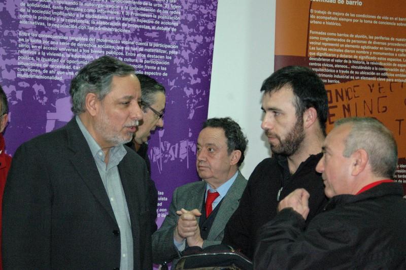 """La muestra """"40 años de acción vecinal"""" recala en San Fernando de Henares"""