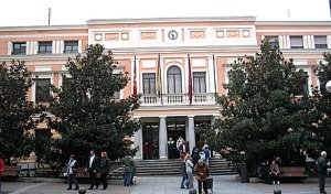Las asociaciones vecinales de Vallecas boicotean el consejo territorial ante el maltrato de la Junta
