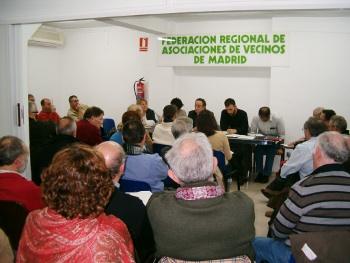 Las asociaciones vecinales se volcarán con la consulta sobre el Canal de Isabel II y la ILP sobre dación en pago