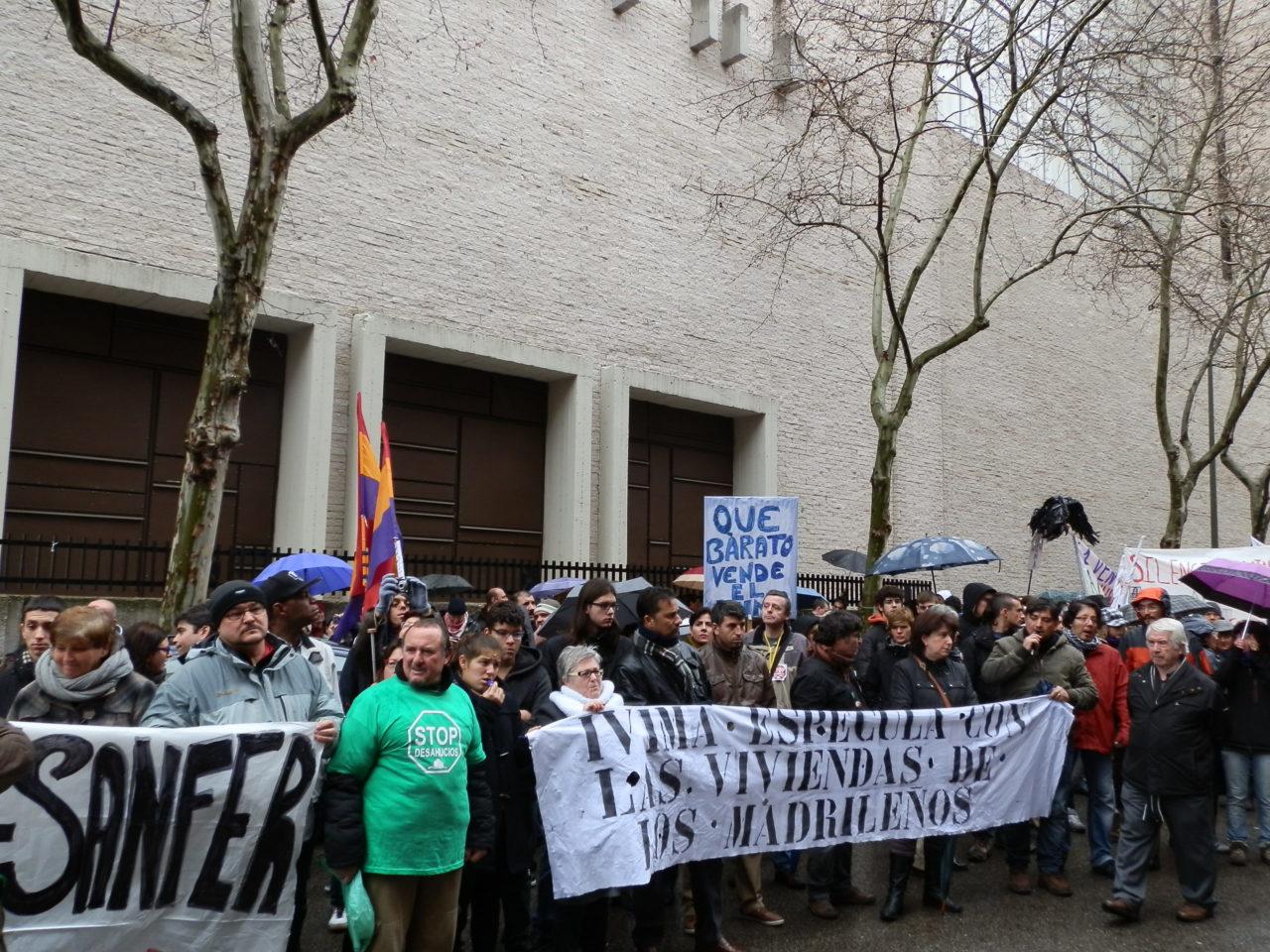 Las familias afectadas por la venta de viviendas del IVIMA piden el adelanto de la declaración de Ana Gomendio