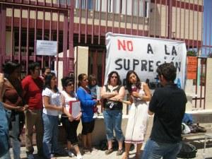 Las madres del colegio Severo Ochoa de Vicálvaro protestan por la supresión del transporte escolar