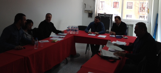 Las organizaciones que confluyen en el Encuentro Vecinal se dan cita con IU