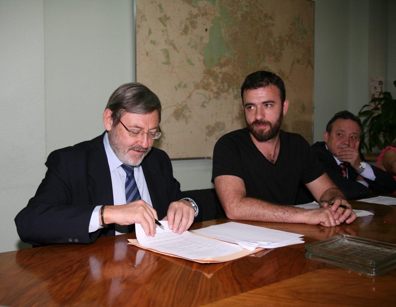 Lissavetzky rubrica su compromiso electoral con la federación vecinal