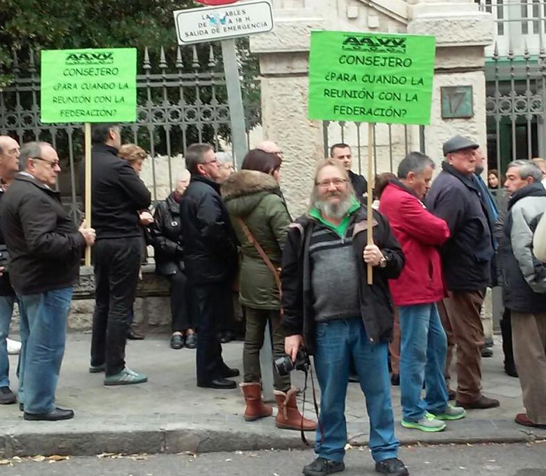 Los afectados por el metro en San Fernando reciben el apoyo de Podemos