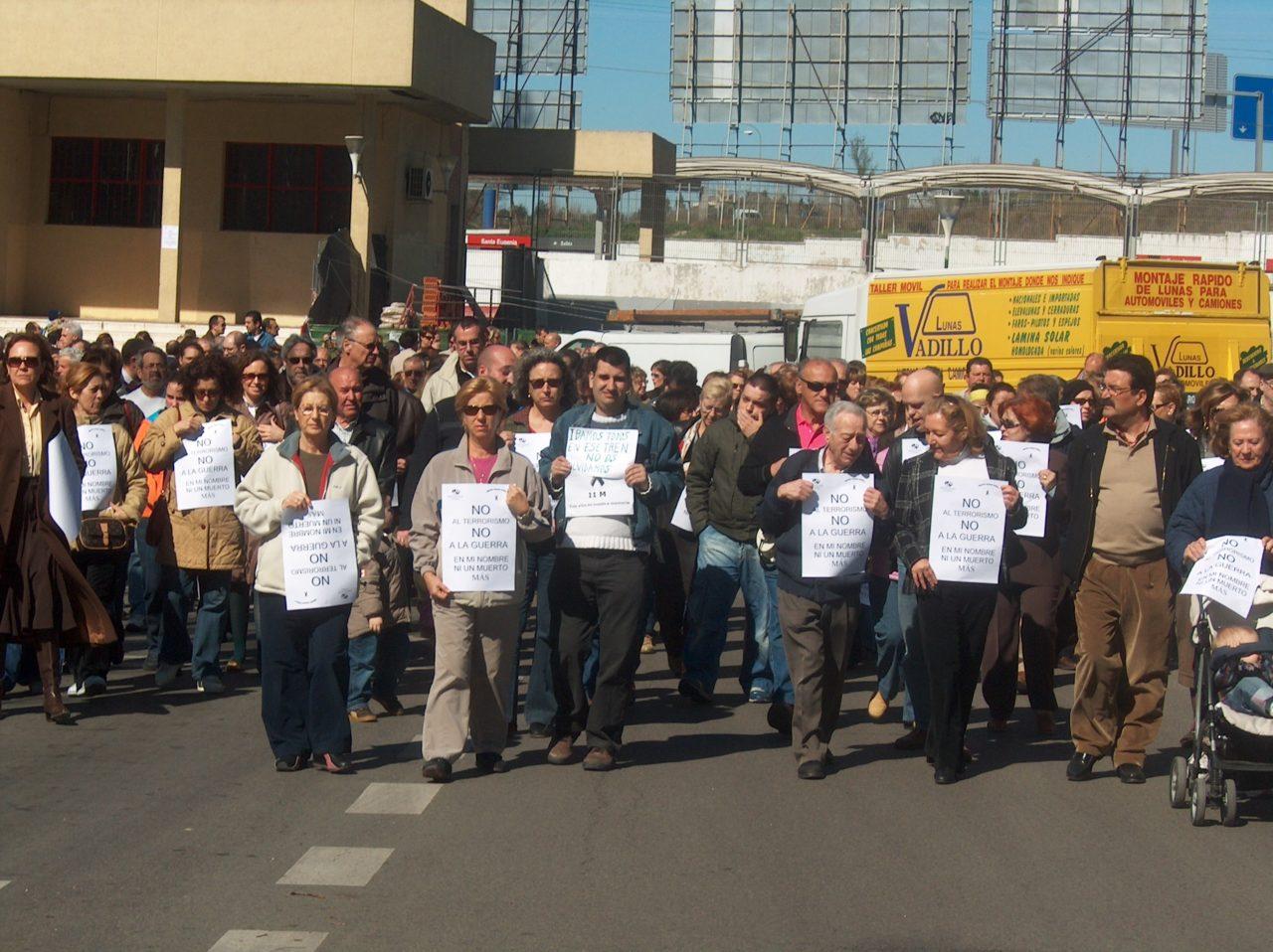 Los barrios de El Pozo del Tío Raimundo y de Santa Eugenia rinden homenaje a las víctimas del 11M