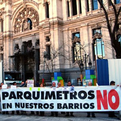 Los colectivos antiparquímetros piden la retirada del SER de los barrios de La Paz y El Pilar