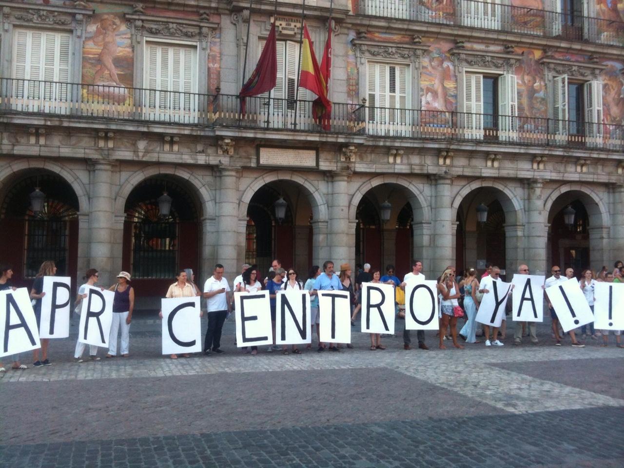 Los vecinos del Centro piden al Ayuntamiento de Madrid que la declaración de Área de Prioridad Residencial se extienda a todo el distrito