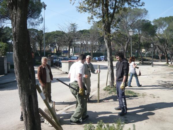 """Los vecinos ejercen la """"acción sustitutoria"""" en la Casa de Campo"""