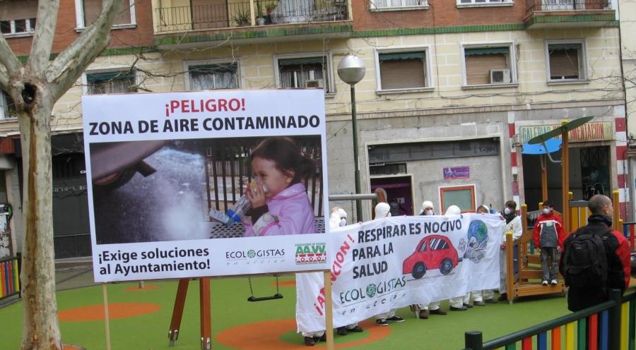 Luca de Tena: la estación desaparece, la contaminación y los niños permanecen