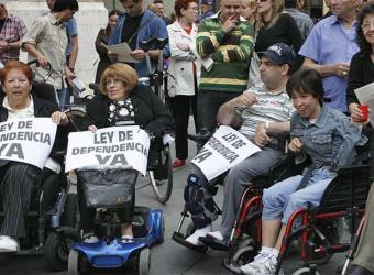 Más de 22.400 madrileños pendientes de recibir la ayuda de la Ley de Dependencia en Madrid