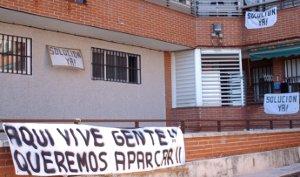 Mequinenza: la calle de las pancartas