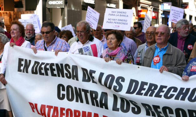 Nuestros mayores celebran su día internacional con una manifestación en defensa de las pensiones