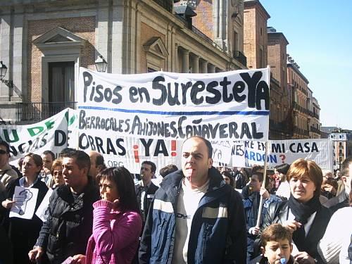 Nueva concentración de los cooperativistas del Sureste ante los juzgados de Plaza Castilla