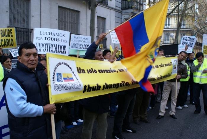 """Paremos los desahucios de las familias víctimas de la """"estafa"""" de la Central Hipotecaria del Inmigrante"""