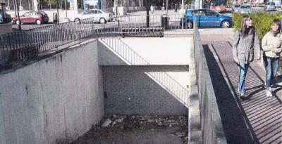 Piden al Ayuntamiento la apertura del aparcamiento de la estación de Metro Vicálvaro, que lleva 16 años cerrado